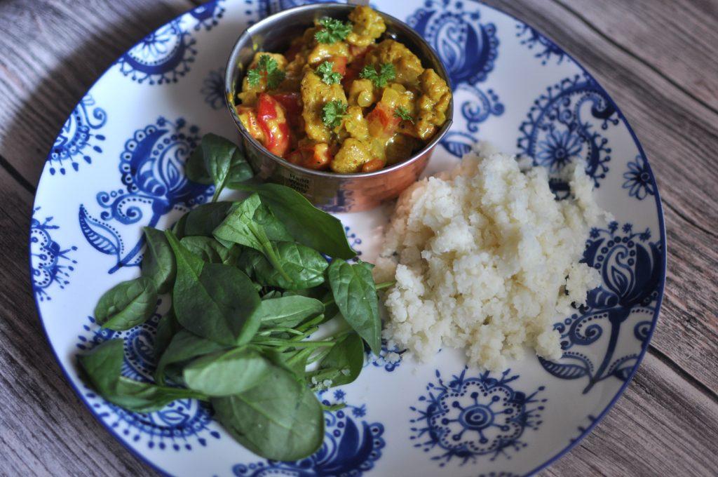Vegansk kycklingcurry med blomkålsris - lchf recept